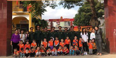 Cô trò Happy Kids Plus thăm quan doanh trại Quân Đội